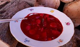 """""""Řepačka"""" - zeleninová polévka s řepou"""