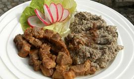 Vepřové maso a žampionové pyré