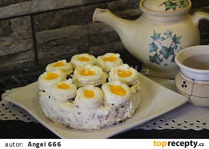 Oříškový dortík s vaječným likérem