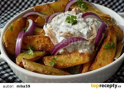 Pečené brambory s tuňákovou zálivkou