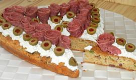 Sýrové srdce s nivovou pomazánkou a olivami