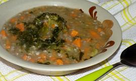 Tykvová polévka s batáty a brokolicí