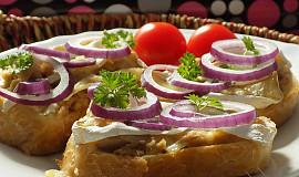 Zapečené tuňákové chlebíčky