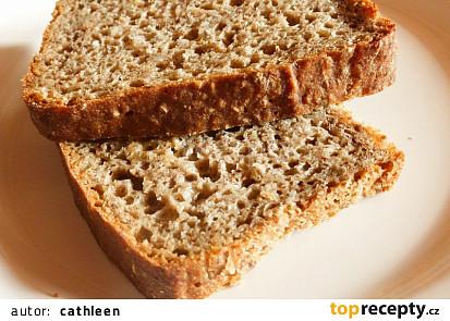 Žitný celozrnný chleba se semínky