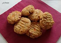 Sušenky s arašídovým máslem a mrkví