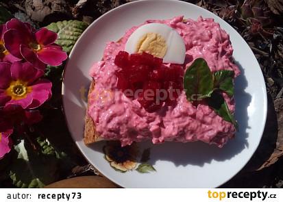 Vajíčková pomazánka s červenou řepou a česnekem