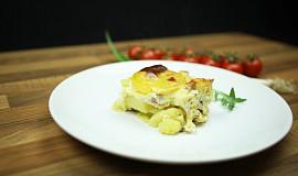 Zapečené brambory s uzeným masem a smetanou