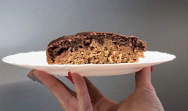 Zdravý jablečný koláč s kokosem (hrnkový)