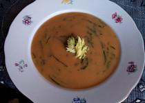 Bramborová / batátová polévka s medvědím česnekem