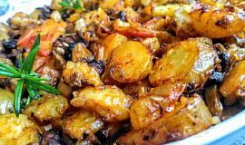 Brambory, pečené v zeleninovém  leču