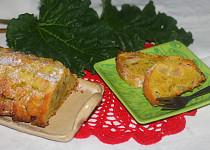 Mandlový srnčí hřbet s rebarborou a ořechy