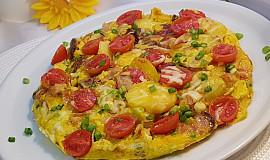 Vydatná pikantní klobásovo-bramborová omeleta s feferonkou