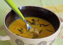 Batátová polévka s cizrnou