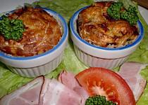 Cibulkové muffiny s anglickou slaninou