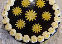 Kávový dort s lesklou čoko polevou