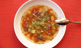 Polévka z uzeného masa bez krup