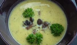 Cuketová polévka s restovanými žampiony