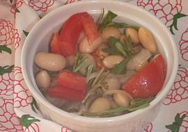 Fazolový salát se šruchou a rajčaty