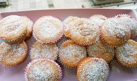 Rybízové muffiny ze zakysané smetany