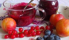 Džem z červeného rybízu, borůvek a rynglí