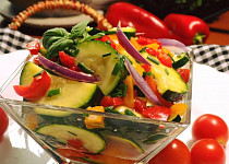 Jednoduchý cuketový salát