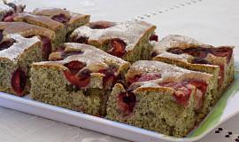 Makový koláč s třešněmi