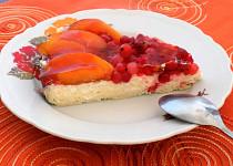 Páj s pudinkovým (tvarohovým) krémem a ovocem