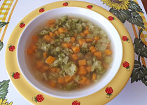 Brokolicovo-batátová polévka s krupicí - pro nejmenší