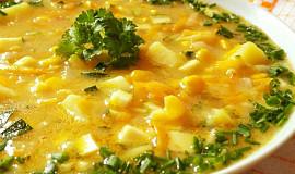 Cuketová polévka s kukuřicí