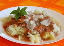 Špagetová dýně s rajčatovo-medovou omáčkou
