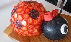 Beruškový dort s jahodami