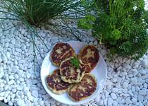 Květákové placičky se sýrem a petrželkou