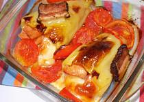 Paprikovo-rajčatovovo-slaninový pekáč