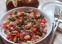 Toskánský tuňákový salát s fazolemi