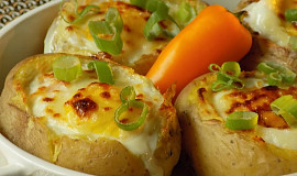Vejce zapečená v bramborách