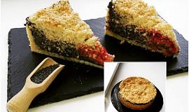 Makový koláč se švestkami a drobenkou (pudinková náplň)