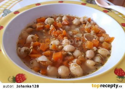 Mrkvová polévka s cizrnou - pro nejmenší