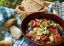Pikantni houbový guláš