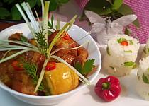 Vietnamský karamelizovaný bůček (Thịt kho tàu )