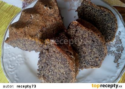 Bramborová bábovka s mákem (bramborový makovník)
