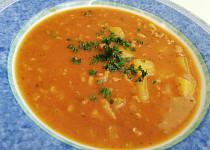 Gulášová polévka s mletým masem a brambory