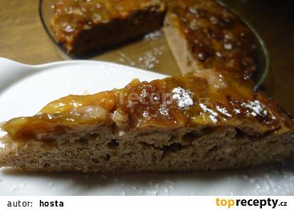 Kořeněný obrácený švestkový koláč s medovým karamelem