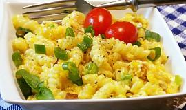 Těstoviny s tvarůžkovými vejci