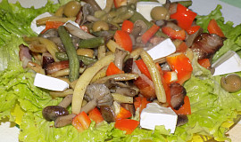 Teplý václavkovo-fazolkový salát