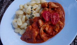 Drůbeží kousky v rajčatové omáčce