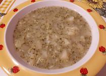 Hustá brokolicová polévka s krupicí a brambory - pro nejmenší