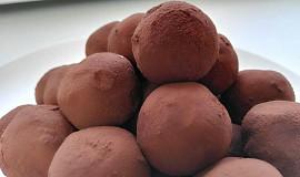 Jednoduché nepečené Tiramisu kuličky/Tiramisu Truffles