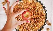 Linecký koláč s tvarohovo-ricottovým krémem, pečenými jablky a ořechy