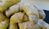 Nekynuté svatomartinské rohlíčky s ořechovou náplní