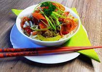 Těstovinový salát s tuňákem na čínský způsob - bez lepku